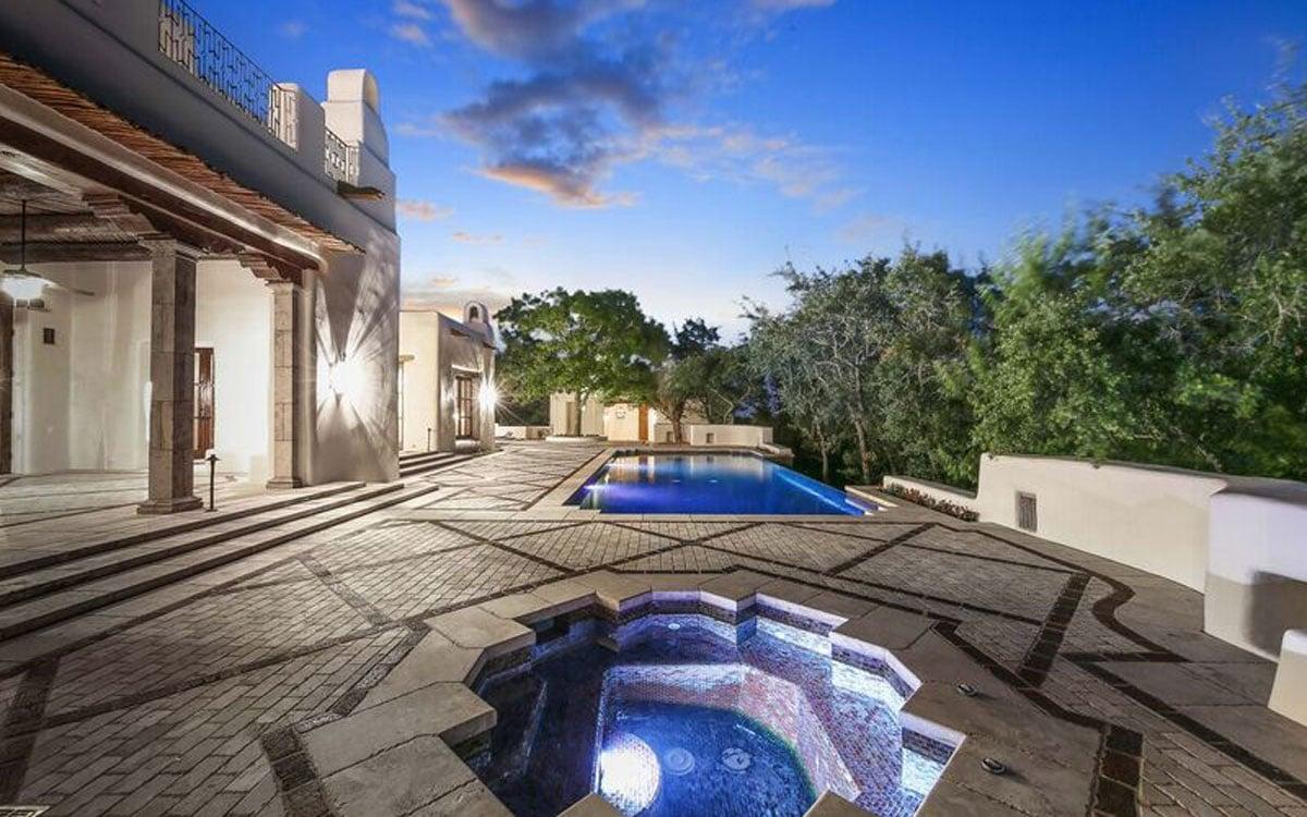 George Strait 39 S Extravagant House In San Antonio Is For